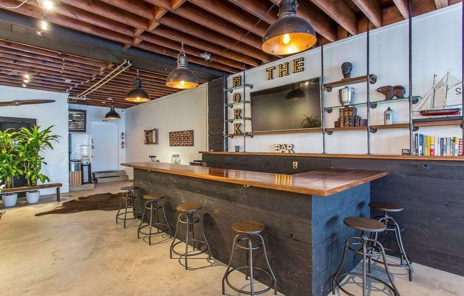 Choosing the Right Bar Rentals